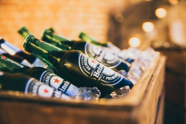 Zomato targets push into alcohol delivery