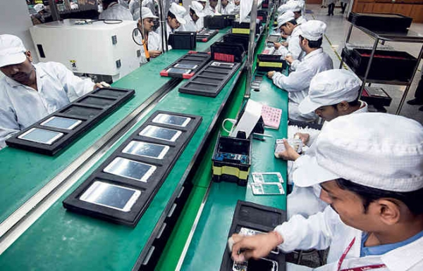 apple, samsung, chinese factories move to india, mobile phone factories