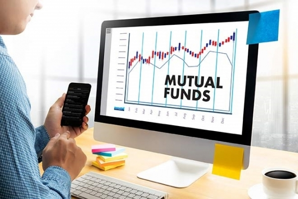 Analysis,Mutual Fund News,Ask ET Mutual Funds,SBI Small CAP Fund Growth,investment,Mirae Asset Emerging Bluechip Fund Regular Growth,mutual funds,SIP