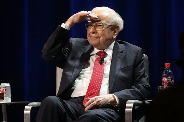 Warren Buffett,berkshire,apple,buy,investments,Apple, Verizon stock, Marsh & McLennan, Bristol Myers, Chevron